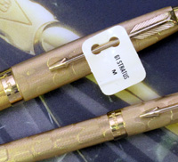 Vintage Parker 61 Stratus fountain and ballpoint pen set.